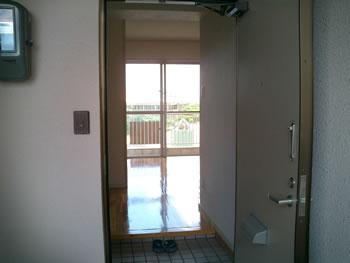 沖縄マンション玄関